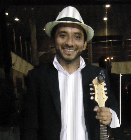 Favio Monteiro - Instrutor de Cavaquinho e Prática de Choro